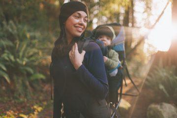 De mon côté, j'ai eu l'occasion de tester le Porte bébé Osprey Poco, idéal pour les parents sportifs souhaitant emmener leur bébé en randonnée.